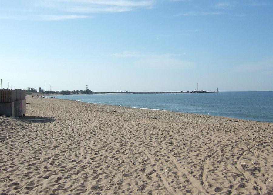 Pirmosios Melnragės paplūdimys ir šiaurinis molas.