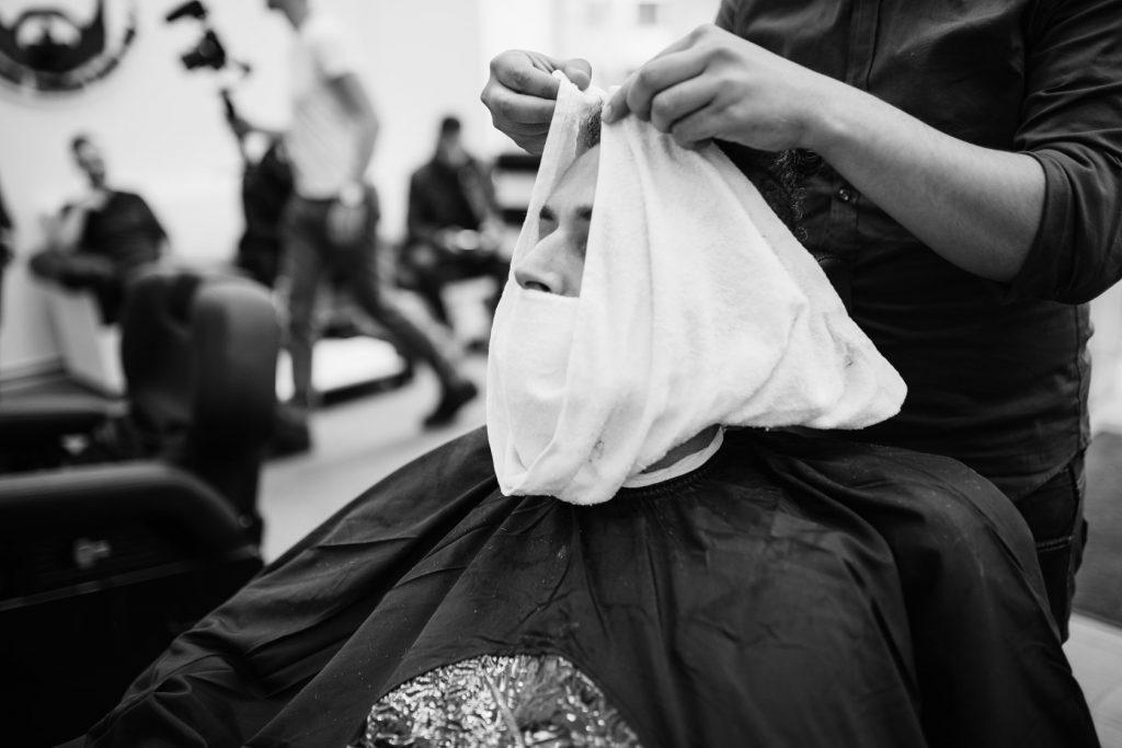 Barzdos kirpimas Vilniuje
