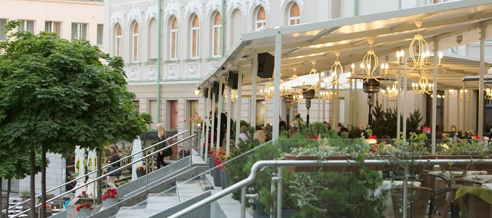 Carré Bar&Lounge / Facebook nuotr. / Lauko terasos Vilniuje