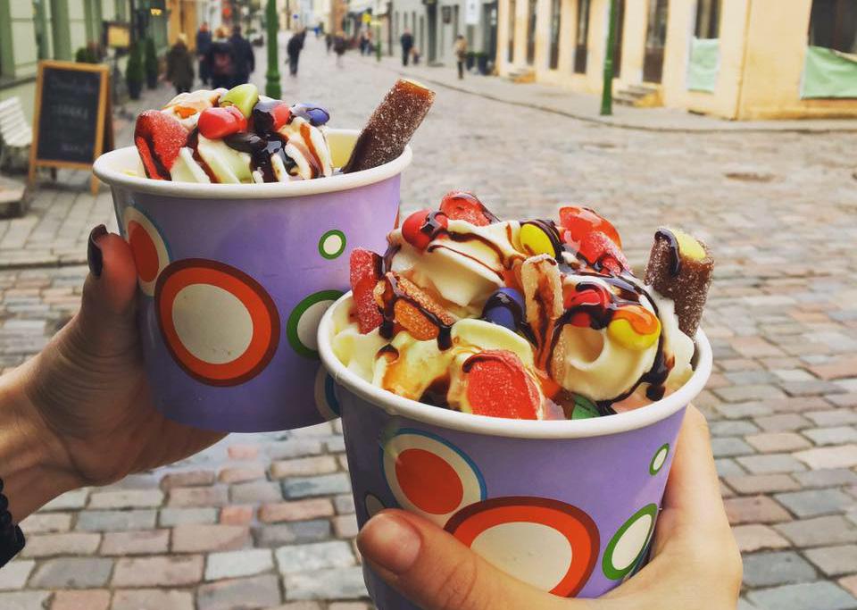 """""""Yoggy & Donuts"""" / Facebook nuotr. / Ledainės Kaune"""